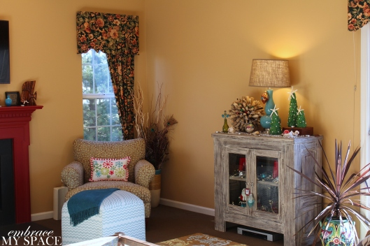 Embrace My Space: Living Room at Christmas