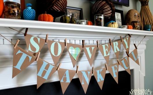 Banner for Thanksgiving Mantel