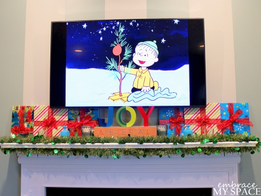 Embrace My Space: Christmas Mantel